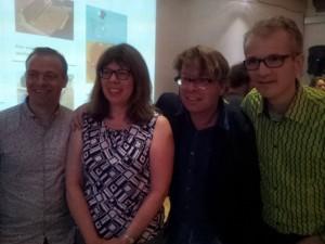 Sylvia Martinez met A.van der Meij en andere fans